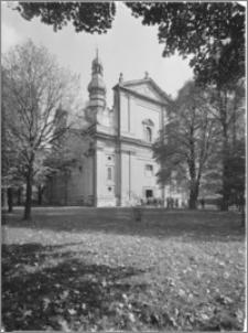 Koniecpol [Kościół parafialny pw. św. Michała Archanioła – elewacja zachodnia]