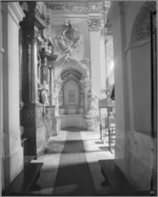 Leszno. Kościół farny św. Mikołaja. Wnętrze. Nagrobek Bogusława Leszczyńskiego biskupa łuckiego (zm. 1691)