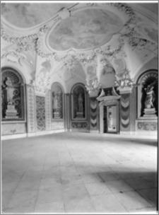 Kromieryż (Czechy, Morawy). Pałac Arcybiskupi (zamek). Sala Terrena. Wnętrze autorstwa Baltazara Fontany