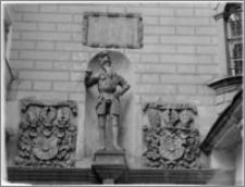 Oleśnica [Zamek, fragment bramy]