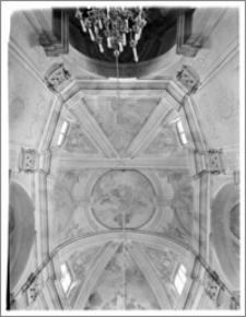Włodawa. Kościół parafialny pw. Św. Ludwika. Wnętrze. Sklepienie nawy głównej