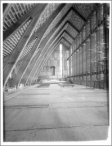 Włocławek. Kościół św. Józefa. Widok w kierunku ołtarza głównego