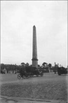 [Obelisk z Luksoru na Placu Zgody w Paryżu]