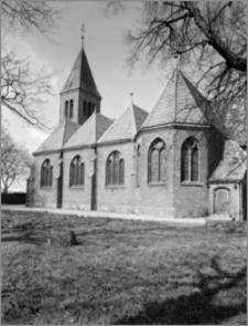Wąbrzeźno. Kościół śś. Apostołów Szymona i Judy Tadeusza. Widok od południowego-wschodu