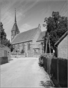 Bysław. Kościół Przemienienia Pańskiego. Widok od wschodu