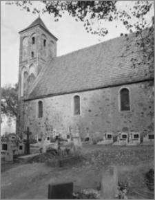 Cielęta (woj. kujawsko-pomorskie). Kościół św. Mikołaja Biskupa. Widok od południowego-wschodu