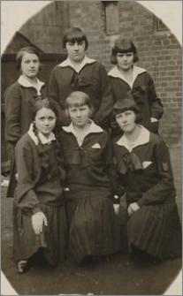 W szkolnym mundurku