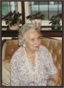 Wanda Poznańska w swoim domu w Montrealu