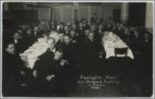 """Z uroczystości """"Chrztu"""" Kol. z Drukarni Rolniczej w Toruniu 1935"""