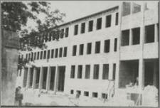 Uniwersytet Mikołaja Kopernika w Toruniu budowa: Collegium Physicum, 1947 rok