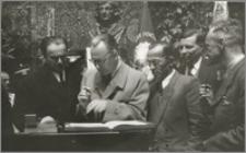 Uniwersytet Mikołaja Kopernika w Toruniu uroczyste wręczenie insygniów rektorskich prof. Ludwikowi Kolankowskiemu, 23 maj 1948 roku
